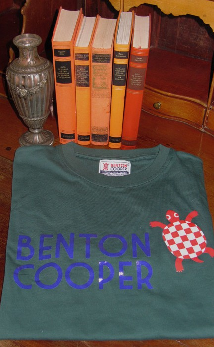 Camiseta Tortuga nadando Benton Cooper