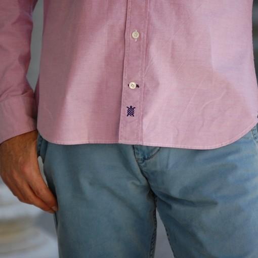 camisa oxford detalle bordado