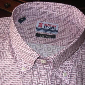 camisa estampada geometrías burdeos
